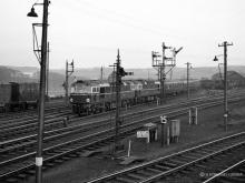 D5331-5342 pass Ferryhill Junction at 8pm on the with 6 coaches ex Waverley on the 10 May 1960