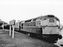 D5333 at Cairnie Junction with an Elgin to Aberdeen service via the coast line in Oct 1967