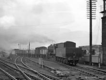 WD 90041 leaves the yard at Kittybrewster and heads for Craiginches, 6 Feb 1960.